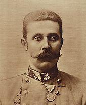 Op 18 december 1863 werd in Graz Franz Ferdinand geboren, aartshertog en troonopvolger van Oostenrijk-Hongarije. Hij trouwde met gravin Sophie Chotek en ze kregen drie kinderen. Ferdinand  was geen voorstander van oorlogvoering en wilde alle bevolkingsgroepen in het land meer zelfstandigheid geven, in tegenstelling tot zijn voorganger. Tijdens een bezoek aan Sarajevo op 28 juni 1914 werd hij met zijn vrouw doodgeschoten. Deze moord was de aanleiding voor de Eerste Wereldoorlog.