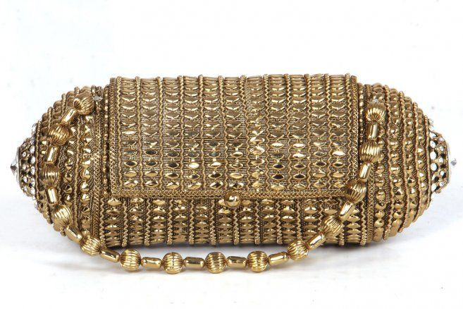 Clutch Bags Ideas  For Evening Party: Small Metallic Clutch Bag In Gold With Handle