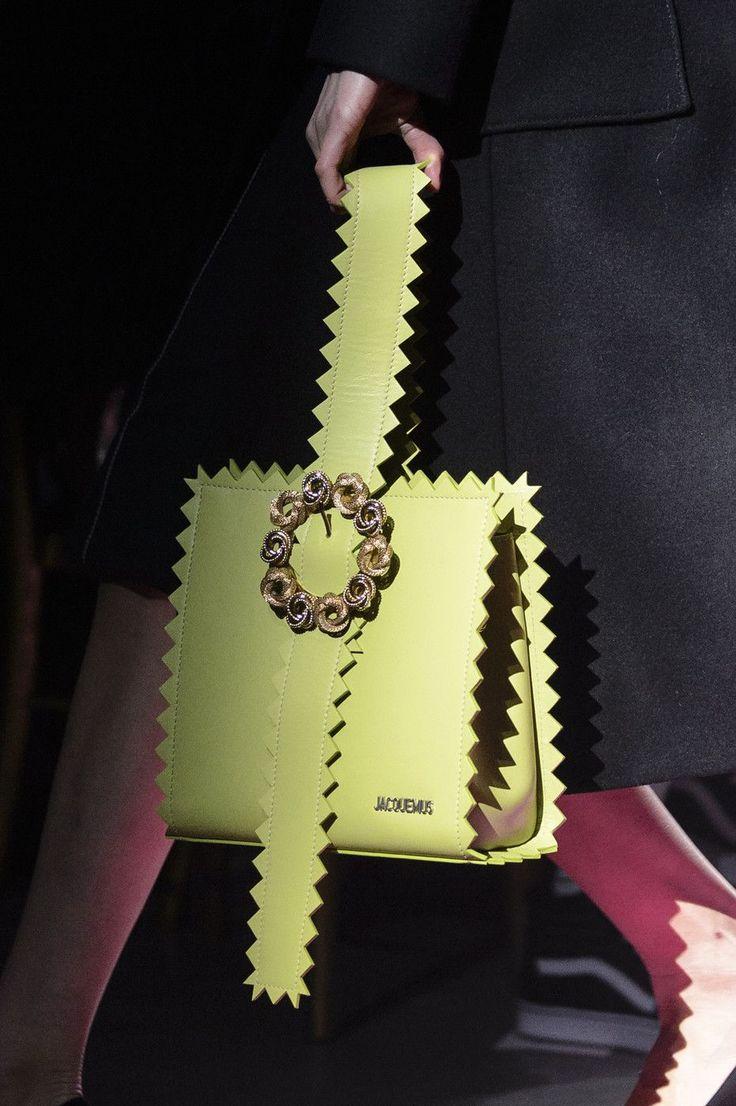 Jacquemus at Paris Fashion Week Fall 2017 - Details Runway Photos. bag, сумки модные брендовые, bag lovers,bloghandbags.blogspot.com
