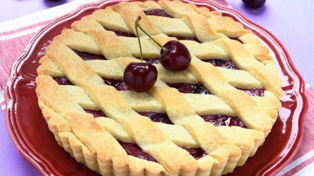 Crostate, biscotti e pasticcini, con la pasta frolla si possono realizzare tantissimi dolci golosi. Ma quali sono i trucchi per prepararla al meglio?