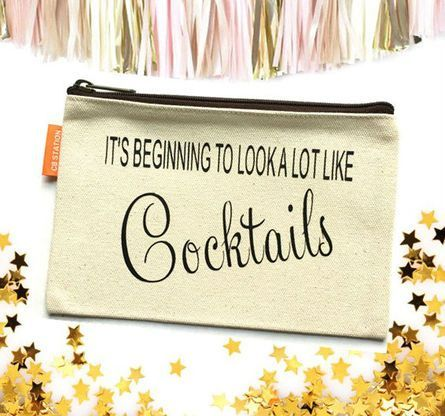 Carry all your must have make up and essentials in this canvas pouch. Cheers.