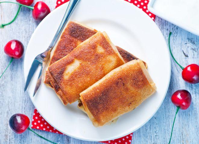 Блинчики с черешней   Ссылка на рецепт - https://recase.org/blinchiki-s-chereshnej/  #Десерты #блюдо #кухня #пища #рецепты #кулинария #еда #блюда #food #cook
