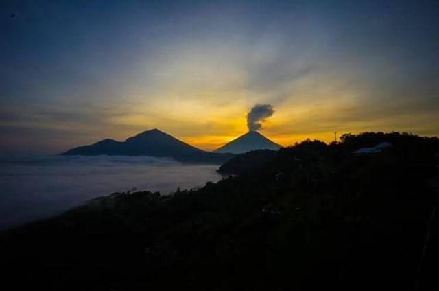 Cave Hotel Terletak Di Central Batur Kintamani Cave Hotel Memiliki Pemandangan Yang Spektakuler Kamu Bisa Menikmati Pemandangan Dan Photo Indonesia Instagram