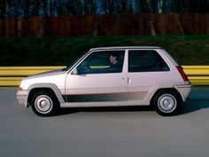 MUST SHARE Renault 5 GT Turbo