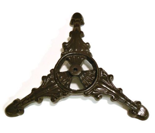 Vintage-CHRISTMAS-TREE-STAND-Cast-Iron-for-Feather-or-Small-Artificial-Tree