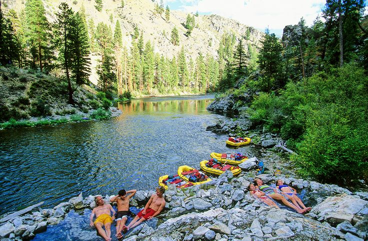 Natural hot springs on the Middle Fork of the Salmon River | @Visit Idaho | Photo: Neil Rabinowitz