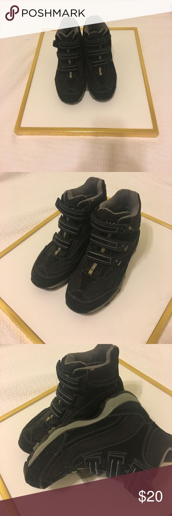 LL Bean Hiking Boots These are lightly worn hiking boots. Very comfortable and cozy. Women's 8 LL Bean Shoes Winter & Rain Boots