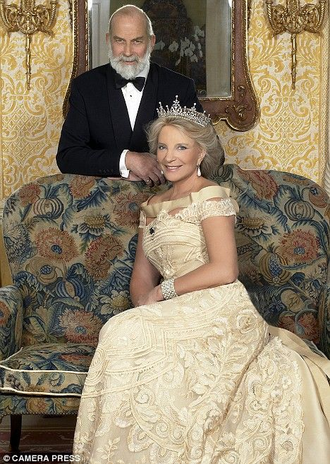 PRINCE AND PRINCESS MICHAEL OF KENT IN THEIR OFFICIAL 30TH ANNIV. PHOTO