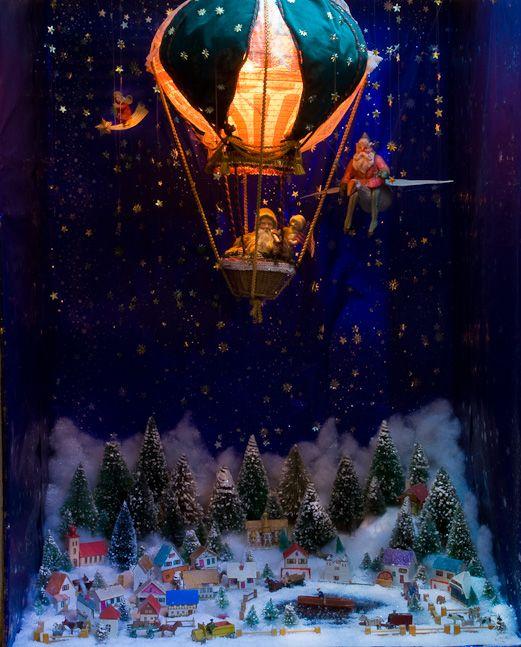 Winter flight: Holidays Dioramas, Christmas Fun, Dioramas Village, Air Balloon Riding, Christmas Hot Air Balloon, Christmas Villages, Neat Ideas, Amazing Shadows, Colors Wonder