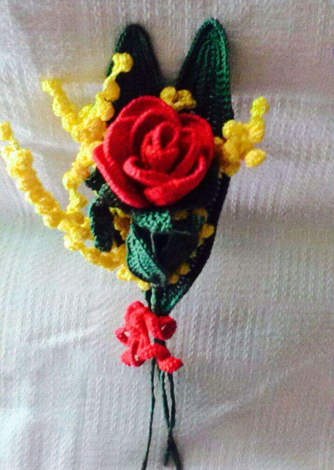 Rosa rossa uncinetto