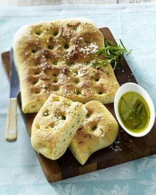 Focaccia mit Rosmarin und Olivenöl Rezept
