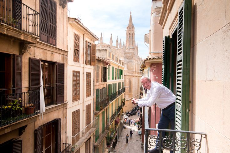 Nick Jones, in his charming Old town apartment in Palma. Read about him and his home in our blog A Home in Mallorca.