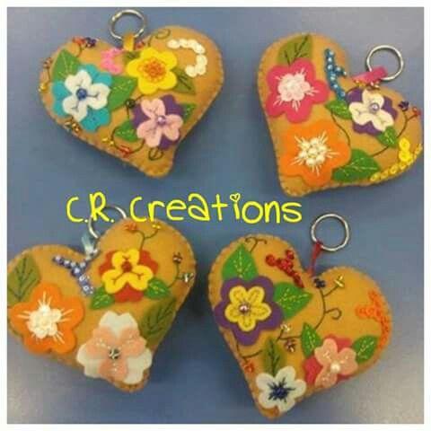 Cuore portachiavi in pannolenci #portachiavi #keychain #felt #handmade #cuore #heart