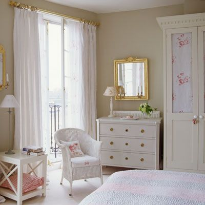 75 Bedroom Ideas And Decor Inspiration Good Housekeeping Curtain Rods And Shabby Chic