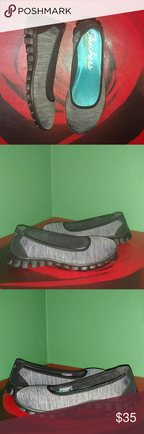 Skechers Memory Foam Sneakers Gently used, still in Great Condition - Stylish Skechers Memory Foam sneakers Skechers Shoes Sneakers