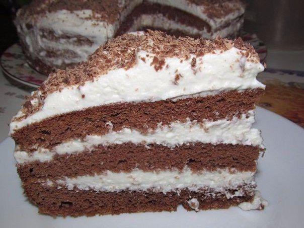Kakaová torta s kyslou smotanou