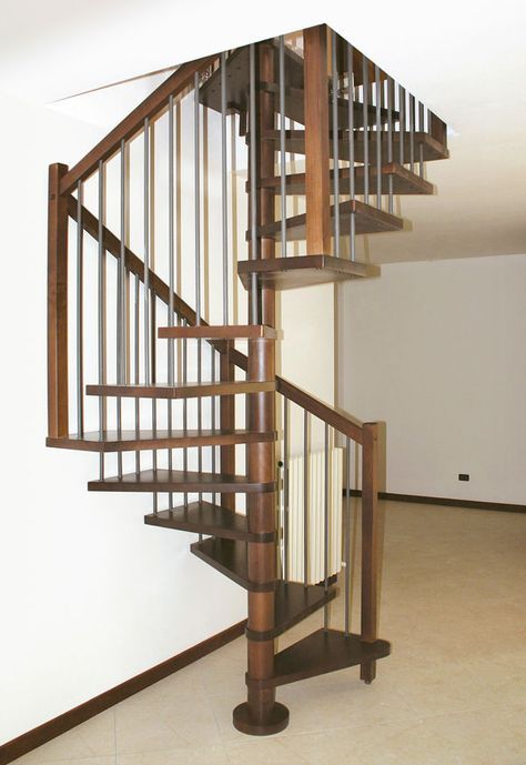 square spiral staircase (wooden frame and steps) ONICE Linea Scale