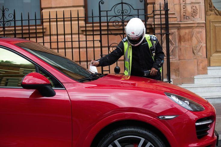 Bírságot kap az emirátusi Porsche Cayenne S is. Fotó: Carl Court/Getty Images