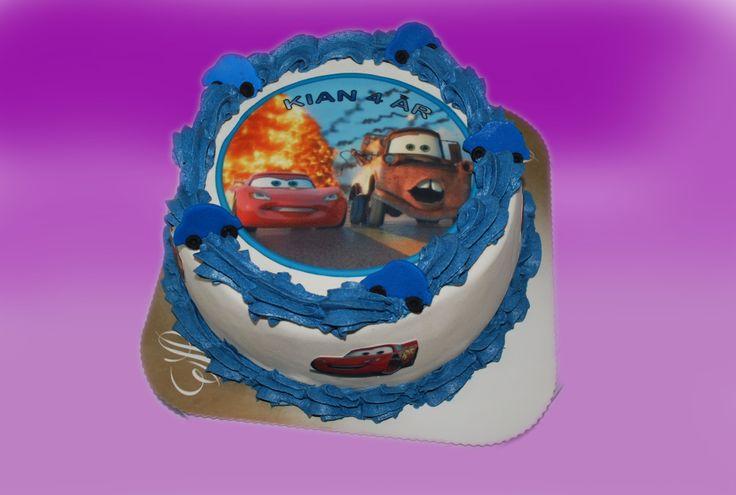 Som sagt , disse lynet kakene kan varieres både i bilder og farger.  Kan lages både som sjokoladekake og marsipanbløtkake. Ta kontakt for mer info på post@bellakaker.no eller ta en titt på websiden min www.bellakaker.no