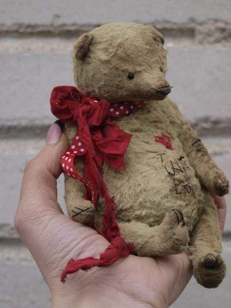 Vintage bear Aim By Ljudmila Zivel - Bear Pile