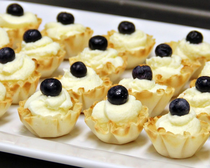 Finger Food Dessert Recipes The logic for making your party a blast is to decorate beautifully, serve good food, organize fun games for invitees, and enjoy yourself. And to get time for yourself, be sure to choose simple, yet delicious food recipes that need less time for preparation.