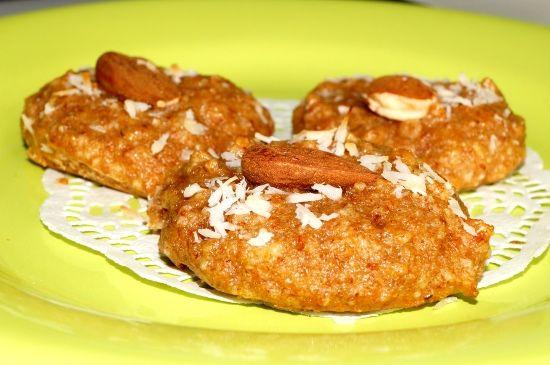 Prăjitură de migdale. www.paradisulverde.com www.biofair.ro