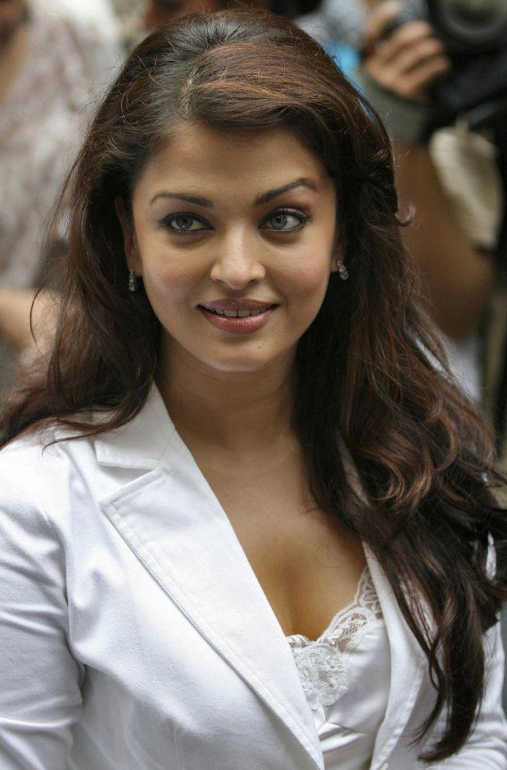 Aishwarya Rai Bachchan Latest   Aishwarya Rai's Baby: Global Media Ready to Shower Money for Exclusive ...