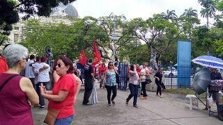Taís Paranhos: Protesto neste momento no Recife [fotos]