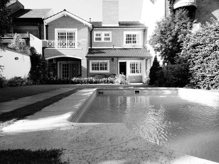 jardn con piscina chalet moderno a la venta en castelar pappacena carbone propiedades