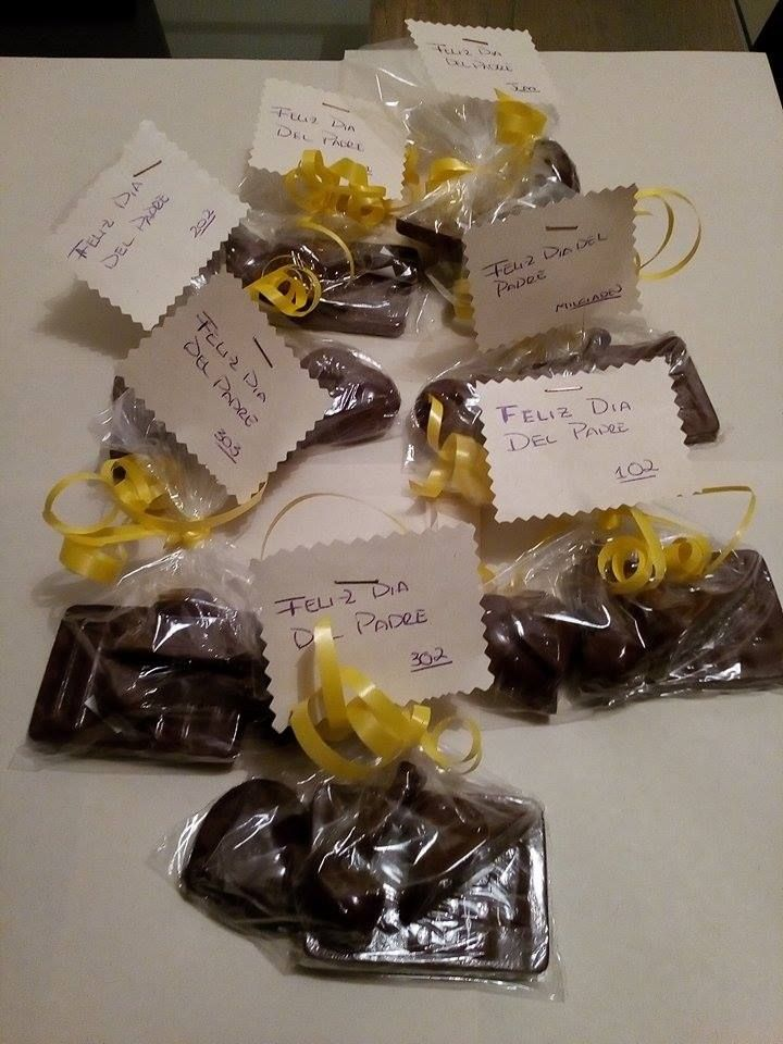 Chocolates con el sabor de nuestra tierra para obsequiar a papa!!...¡Domicilios sin costo en Bogotá!.. Pedidos, contacto, información al celular/whatssap: 3013588405