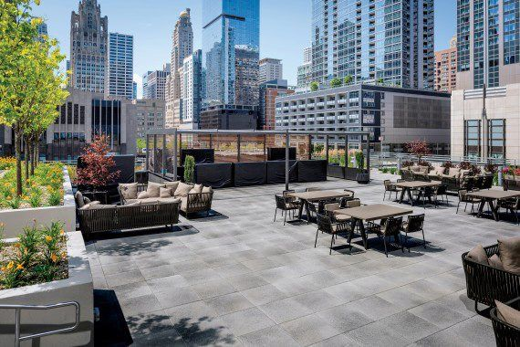 Unilock - Loews Hotel Roof Deck with Umbriano in Chicago