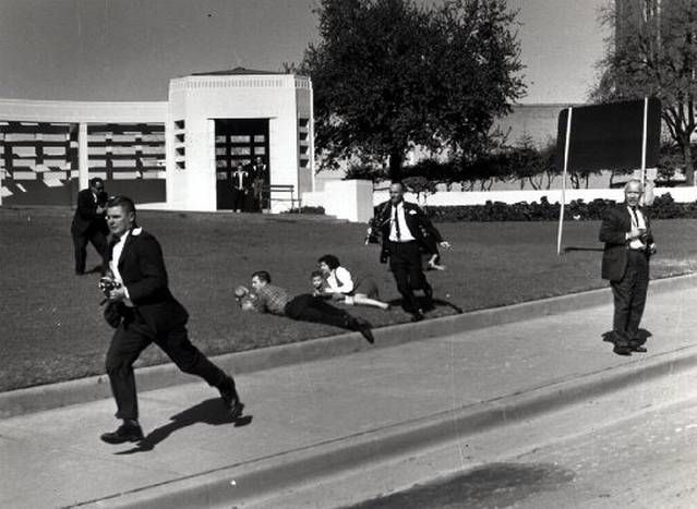 assassination of john f kennedy and the motorcade witnesses In 1963, a radio newsman, a schoolgirl and a nurse were close to the action when president john f kennedy was assassinated what they saw still haunts them.