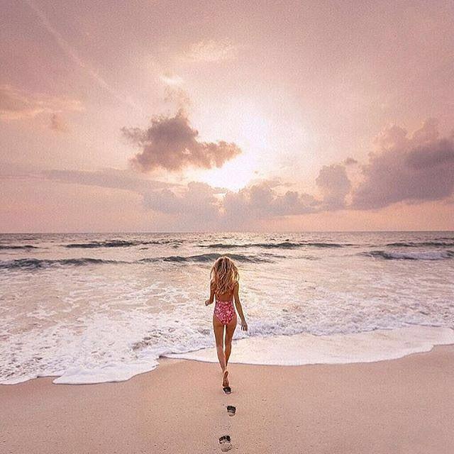 """via. @polishtravelgirls  """"Amazing chance to win @travel_inhershoes Lightroom presses !! #aggietribegiveaway #travelinhershoes""""  Zobacz więcej podróżniczych inspiracji na: http://ift.tt/2k1V00E  Polub nas na fb: http://ift.tt/2qiHjxm Poznaj nas na Twitterze: http://twitter.com/wagabundaclub - Polub nasz profil i oznacz nas na zdjęciu @wagabundaclub a podamy Twoje zdjęcie dalej :) - Zdjęcie autora:http://ift.tt/2AovDyk"""