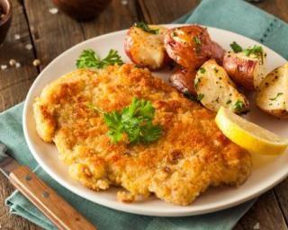 Escalope de poulet façon viennoise : http://www.fourchette-et-bikini.fr/recettes/recettes-minceur/escalope-de-poulet-facon-viennoise.html