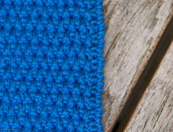 Strikket kongeblå klut, oppskrift nr. 2 | Tove Fevangs blog