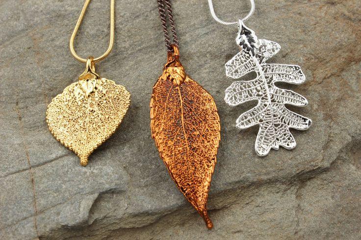 Wundervoller Schmuck aus echten Blättern in Kupfer, Silber, Gold oder Platin.