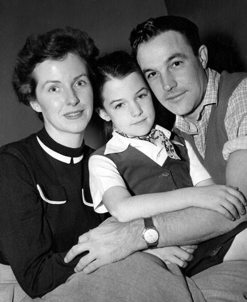 """Betsy Blair and husband Gene Kelly with their daughter Kerry in 1950. Betsy would go on to costar with Ernest Borgnine in """"Marty"""" (1953)."""