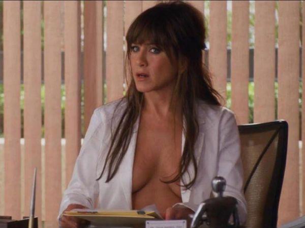 Jennifer aniston naked crotch