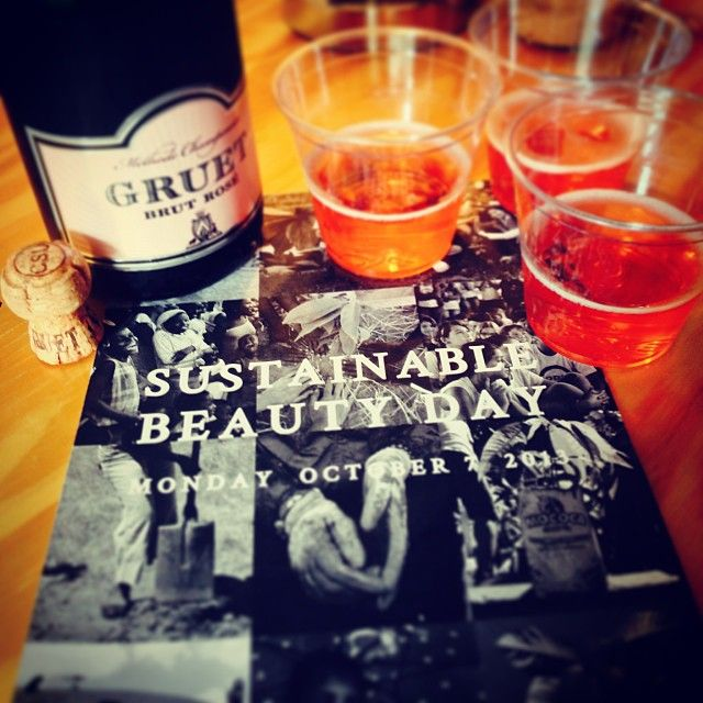 Sustainable Beauty Day deserves a little bubbly :-) Tag #SBD2013 with your pictures wherever you are!