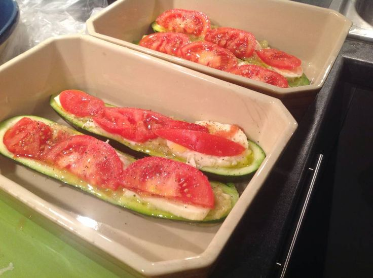 Courgette Met Mozarella, Tomaat En Knoflook Uit De Oven! recept   Smulweb.nl