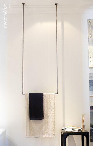 Bathroom Towel Bar: Este Original Toallero Que Cuelga Del Techo, Como Si De Un