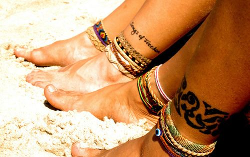 Feet and ankle tats... <3Pink Summer, Tattoo Placements, Summer Feet, Ankle Tattoo, Beach Tattoo, Henna Tattoo, Popular Pin, Ankle Bracelets, Sandy Toes