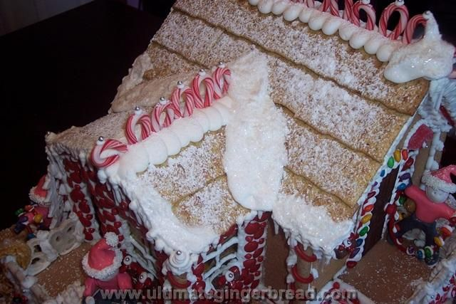 Candy Cane Cottage - Roof made out of WASA Flatbread crackers ...