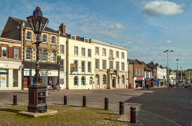 The High Street of Andover in Hampshire    The Lamp was erected in 1887 to mark the Jubilee of Queen Victoria