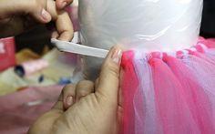 Aniversário de um ano: roupa de princesa com saia de tule rosa e lilás - Filhos - iG