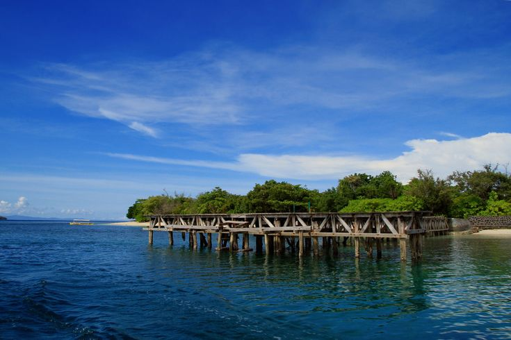Pulau Tagalaya Wisata Bahari Alami di Maluku Utara - Maluku Utara