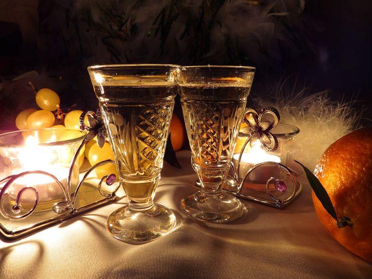 Feliz Ano Novo! http://www.torange-pt.com/Holidays/New-Year/Banquete-de-ano-novo-15175.html #Inverno #alegria #noite #Noite #Escuro #Luz #Fogo #Neve #Novo #Natal #Vela #Vela #férias #Romance #luzes #paisagem #Uvas #fragrância #odor #sombra #Amor #amizade #Data #Vinho #vidro #champanhe #banquete #café #Restaurante #Mandarim #frutas #Jantar #banquete