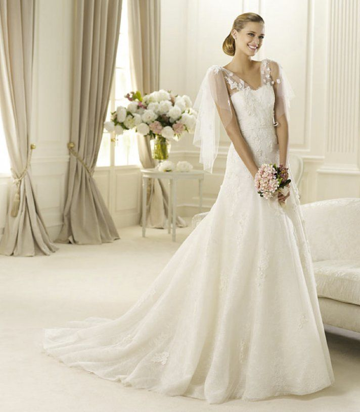 9 Stunning Manuel Mota Wedding Dresses