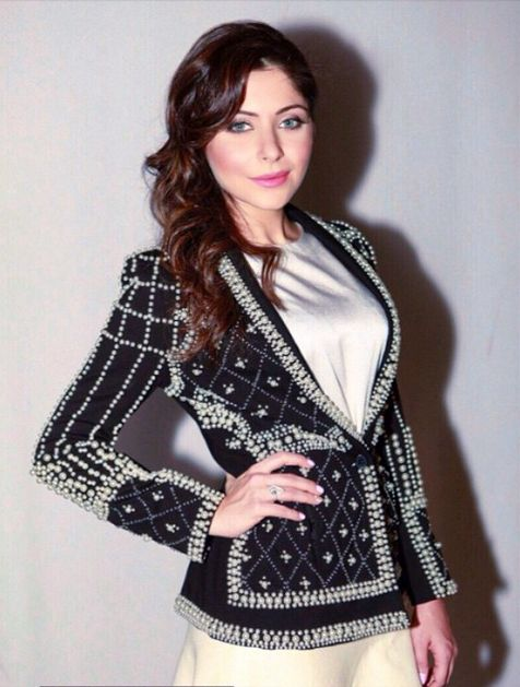 Top Indian fashion and lifestyle blog: Kanika Kapoor in Drama Queen