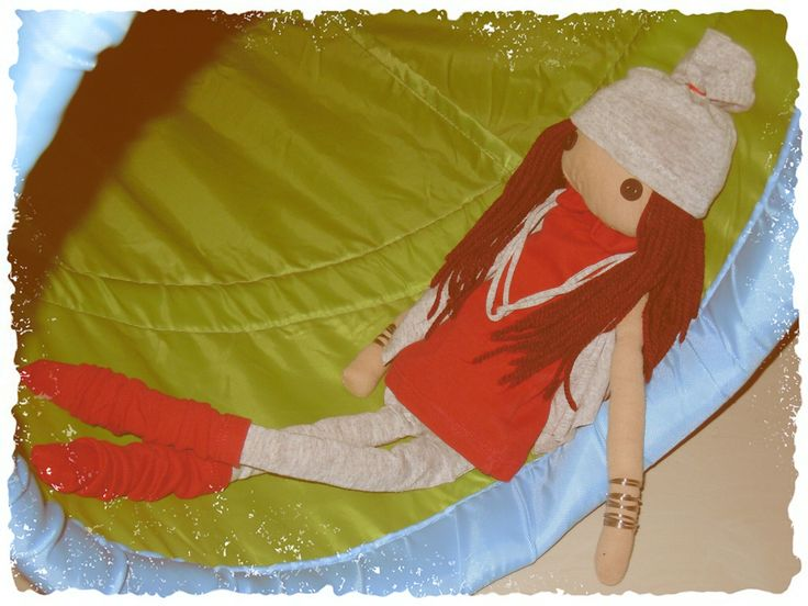 A doll for my daughter! Lying in a tunnel!